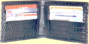 crocodile credit card wallet inside features
